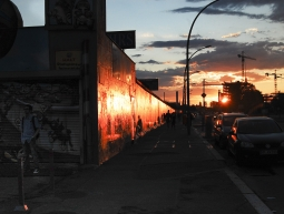 Posta de sol a la East Side Gallery